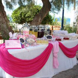 Τραπέζι Ευχών για Βάπτιση Κοριτσιού στην Εκκλησία με κεράσματα Κυπελλάκι, Γυάλες με ζαχαρωτά και Lemonade Bar με Δροσερή Λεμονάδα Βυσσινάδα και Νερό