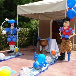 Μπαλόνια Βάπτισης με θέμα τους Πειρατές, με μπαλονοσυνθέσεις Captain Hook και κουτσός Πειρατής για στολισμό στην εκκλησία σε τιμή προσφοράς