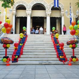 Στολισμός με Μπαλόνια Βάπτισης για αγόρι - Κολωνάκια με θέμα McQueen Cars για εξωτερικό στολισμό εκκλησίας